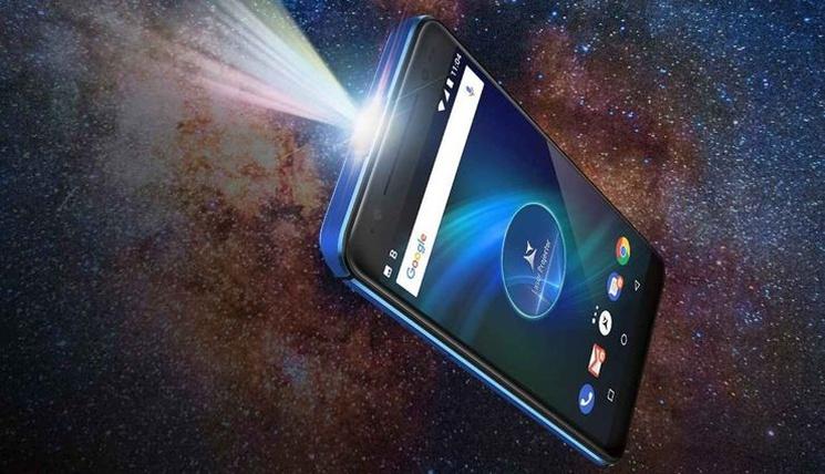 Allview X4 Soul Vision es uno de los varios teléfonos inteligentes en la historia que tienen un proyector incorporado